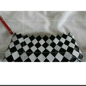 NWOT NAHUI OLLIN BLACK & WHITE RECYCLED CANDY WRAP